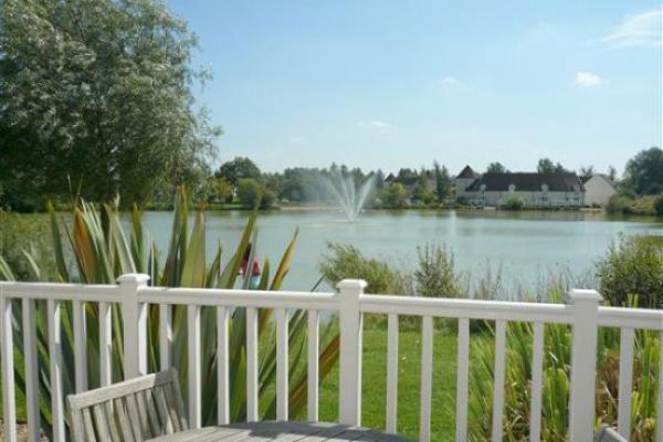 Lake View, Cotswold Waterpark: